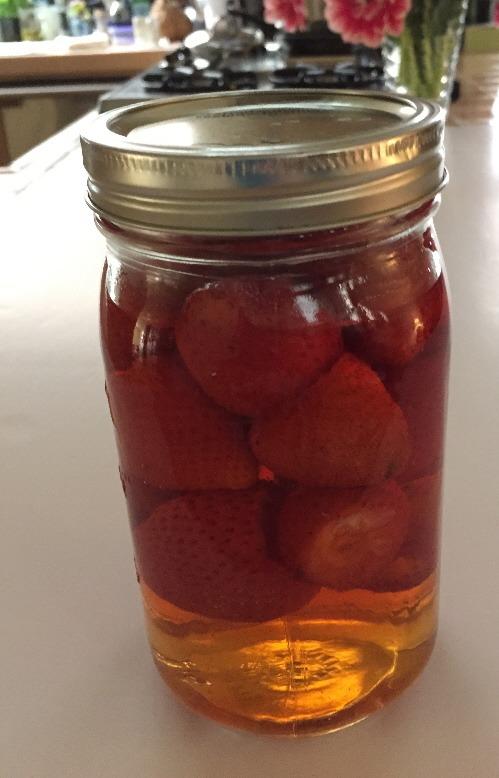 pickledstrawberries500