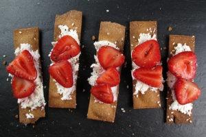 pickledstrawberriesCrostini